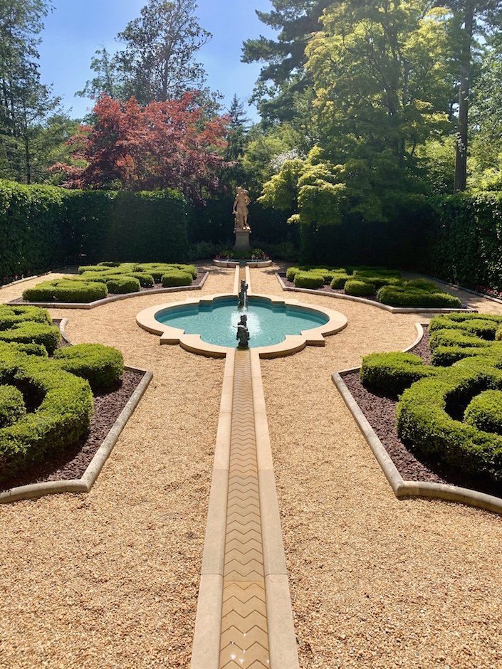 Hillwood Estate, Gardens and Museum